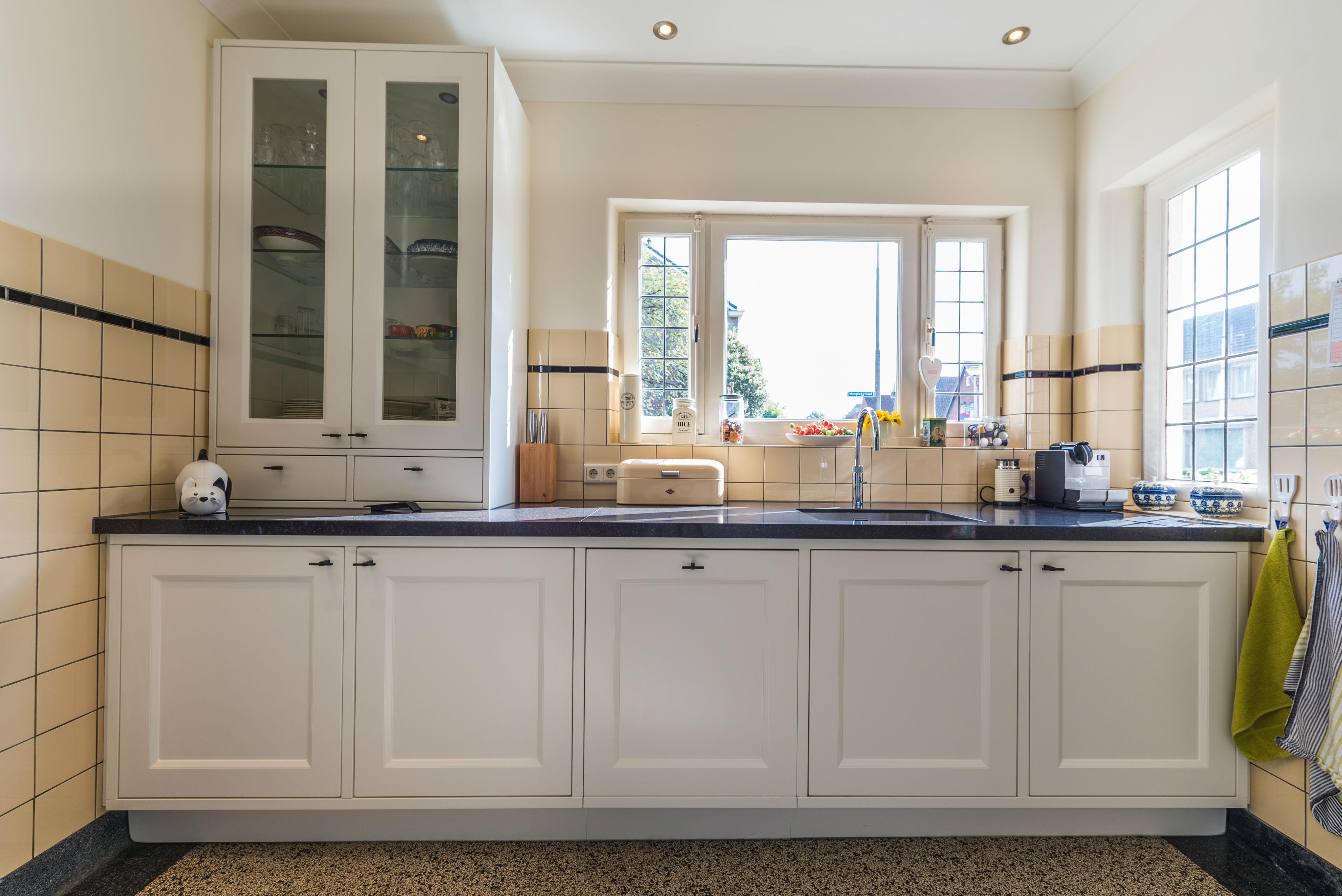 Keuken En Badkamer : Keuken badkamer mierlo jamo restiau