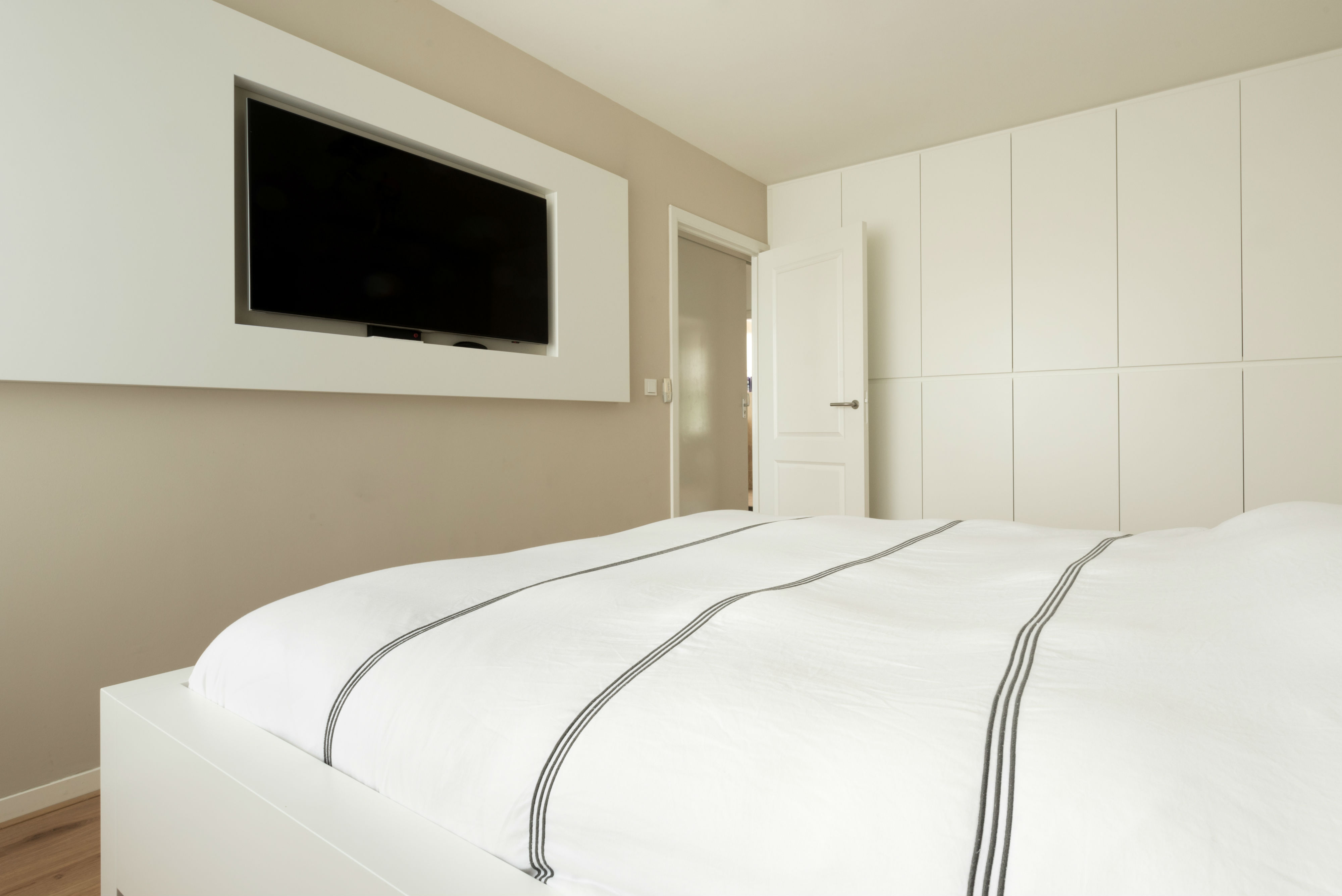 Slaapkamer met Garderobe Eindhoven - Jamo Restiau